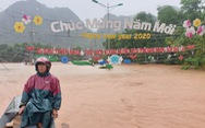 Thị trấn Phong Nha bị nhấn chìm trong lũ