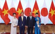 Thủ tướng Nhật Suga Yoshihide: 'Đầu xuôi đuôi lọt'!