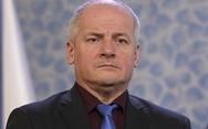 Ăn ở nhà hàng có lệnh đóng cửa, Bộ trưởng Y tế Czech bị báo lá cải bắt gặp