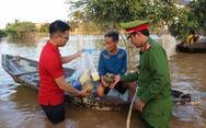 Vietlott phối hợp cùng Trung đoàn CSCĐ Bắc Trung Bộ trao nhu yếu phẩm đến người dân vùng thiên tai