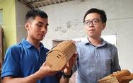 Làm túi xách từ nguyên liệu cói, tre, mây, gỗ