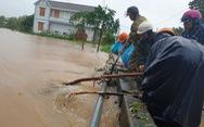 Phú Yên: đi xem nước lũ, 1 người bị cuốn mất tích