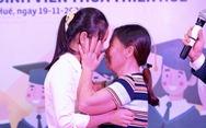 Cuộc gặp đầy nước mắt của hai mẹ con tân sinh viên nghèo xứ Huế
