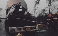Xe đầu kéo tông xe tải dừng đèn đỏ, tài xế chết ngay trên cabin