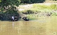 Công an tìm vật chứng trên kênh gần nhà hoang Tuấn 'khỉ' bị tiêu diệt