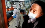 Hàng chục nước đề phòng Hàn, Nhật vì ca nhiễm COVID-19 tăng nhanh