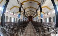 Vào xưởng mộc làm rường cột mới cho nhà thờ Bùi Chu