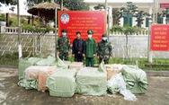 Móng Cái liên tiếp bắt các vụ vận chuyển 'chui' khẩu trang sang Trung Quốc