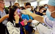 Nhiều bác sĩ thức trắng đêm chống dịch ở Tân Sơn Nhất