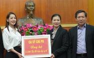 Chi Pu, Tùng Dương, Only C... quyên tiền tỉ, mặc đồ bảo hộ đi làm từ thiện