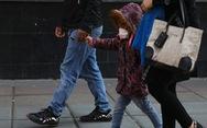 Vì sao trẻ em mắc COVID-19 ít triệu chứng, thậm chí không có triệu chứng?