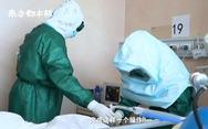 'Đội bác sĩ cảm tử' giành giật mạng sống cho từng bệnh nhân corona