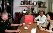 Chủ tịch Quốc hội thăm các Mẹ Việt Nam anh hùng