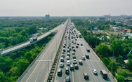Sáng 30-4, kẹt xe nhiều giờ trên cao tốc TP.HCM - Long Thành - Dầu Giây