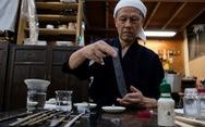 Nhật tạo ra giấy mỏng nhất thế giới nhưng không viết được, giấy đó làm gì?