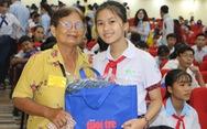 Tiếp sức đến trường ở Cần Thơ: Trao niềm tin, siết tay tin cậy