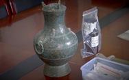 Trung Quốc phát hiện lọ đồng 2.000 năm đựng chất lỏng lạ