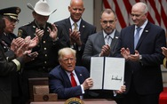 Ông Trump ký sắc lệnh cải cách cảnh sát