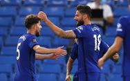 Giroud bay người đánh đầu ghi bàn giúp Chelsea củng cố vị trí thứ 3
