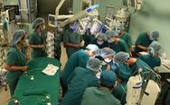 Sáng nay 15-7, hơn 100 y bác sĩ mổ tách ca song sinh dính liền phức tạp nhất Việt Nam