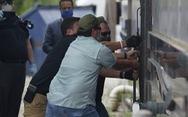 Bắc Kinh nói Mỹ 'chẳng khác trộm đạo' khi phá cửa lãnh sự quán ở Houston
