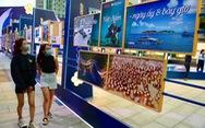 Triển lãm ảnh '12 huyện đảo Việt Nam' tại phố đi bộ Nguyễn Huệ