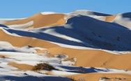 Tuyết phủ trắng vùng sa mạc nóng nhất Trái Đất Sahara