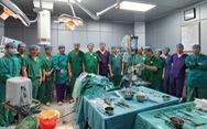 4 bệnh viện tham gia phẫu thuật khối u choán nửa mặt bệnh nhân