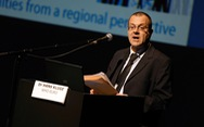 WHO cảnh báo 'còn quá sớm' để châu Âu nới lỏng chống COVID-19