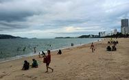 Người dân Nha Trang được tắm biển trở lại từ ngày 16-10
