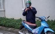 Ông nội 67 tuổi vượt gần 40km gửi đồ cho cháu lớp 3 trong khu cách ly