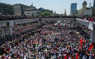 Biểu tình phản đối đảo chính lớn nhất ở Myanmar sau khi binh sĩ được triển khai
