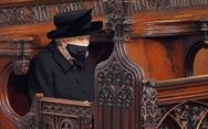 Nữ hoàng Anh lặng lẽ một mình, tiễn chồng về nơi an nghỉ cuối cùng
