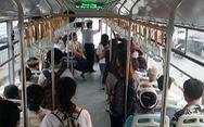 Nhường ghế khi đi xe buýt, nét văn hóa của người trẻ Sài Gòn