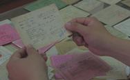 Người sưu tầm hơn 500 thẻ cử tri, có tấm thẻ từ 1946