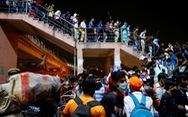 Người lao động di cư tháo chạy khỏi các thành phố Ấn Độ