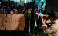 Dân 'vùng đỏ' Campuchia đòi cung cấp thực phẩm sau 2 tuần phong tỏa
