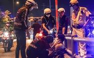 'Bông hồng thép' cứu hộ giao thông đêm