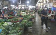 Trước giờ 'tem phiếu', chợ Đà Nẵng vẫn vắng vì 'năm ngoái ăn đồ tủ lạnh ớn rồi'