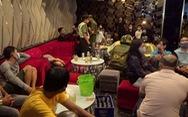 Phát hiện công an, 24 khách hát karaoke T3 tháo chạy cửa sau