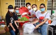 Nghệ sĩ, nhóm thiện nguyện hăng hái chi viện cho các điểm phòng chống dịch