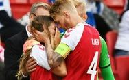 Thế giới ca ngợi đội trưởng Đan Mạch Simon Kjaer là 'người hùng' cứu mạng Eriksen