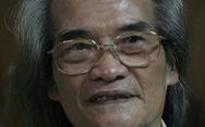 Nhà văn Sơn Tùng: Người bám chặt vào đời bằng cây bút trên 3 ngón tay