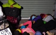 Đêm vạ vật của nhiều công nhân vì không được 'thông chốt' về quê