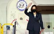 Phó tổng thống Mỹ Harris đã đến Việt Nam sau 3 giờ trì hoãn