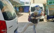 Người lính trong bức hình 'Má đừng ngại, cứ ôm lấy con': 'Đó là tình thương'