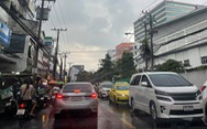 Thái Lan thử nghiệm chung sống với COVID-19, Bangkok kẹt xe lại từ sáng
