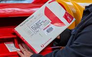 Bưu chính Úc tạm ngừng giao hàng thương mại điện tử vì COVID-19