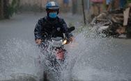 Nhiều nơi ở miền Trung mất điện do mưa lớn, ngập lụt