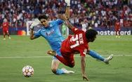 Xem video trận cầu khó tin Sevilla - Salzburg: 4 quả phạt đền, ăn vạ thô thiển, bỏ lỡ không tưởng